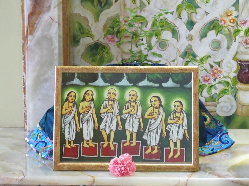ISKCON Hungary Deity Darshan 24 Dec 2015 (13)