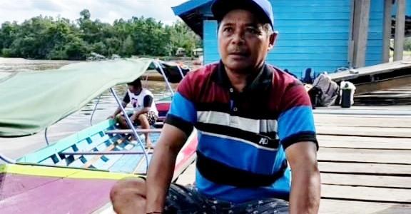 Gubernur Kalteng Beri Bantuan Kelotok