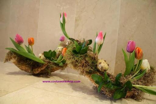 Tulpen paas bloemstuk .w...JPG