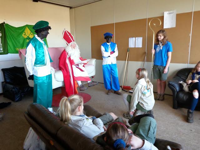 Sinterklaas op de scouts - 1 december 2013 - DSC00162.JPG
