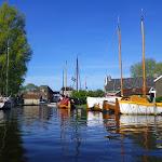 198-We varen door het mooie plaatsje Heeg...