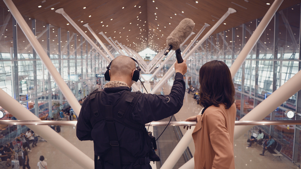 [Bella+and+Soundman+at+KLIA%5B2%5D]