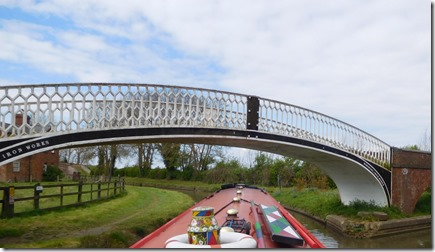 10 pretty braunston bridge