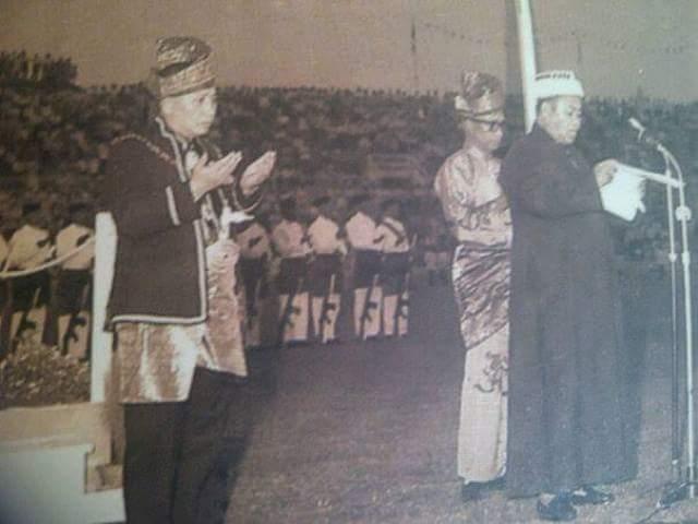 DOA SYEIKH AHMAD BIN SYEIKH MUHAMMAD SAID (MUFTI PERTAMA NEGERI SEMBILAN) PADA HARI KEMERDEKAAN 1957 DI STADIUM MERDEKA