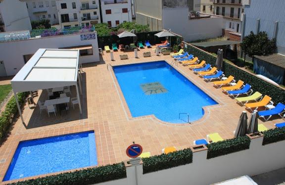 Piscina Hotel Santa Anna.jpg
