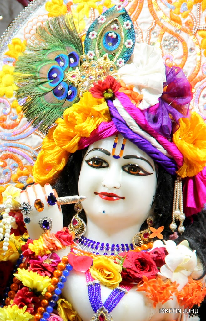 ISKCON Juhu Sringar Deity Darshan on 11th Aug 2016 (20)