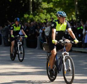 Propuesta de patrullas de la policía municipal en bici por la calzada