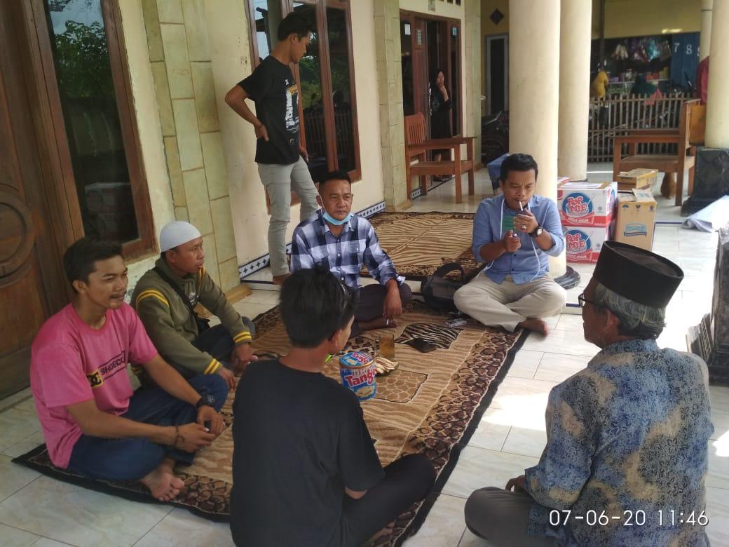 Obon Tabroni Sambangi Korban Banjir ROB Kampung Sembilangan