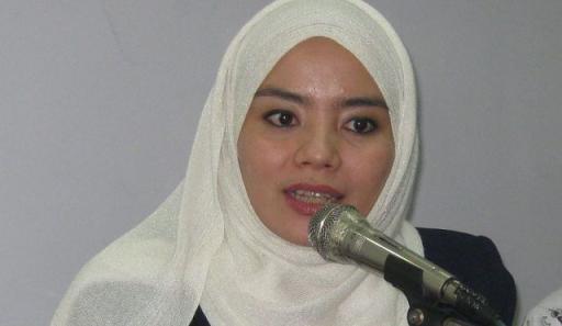 Istri kedua tulis curhatan pilu di akun twitternya Istri Kedua Ungkap Rindu, Dikenal Sebagai Khadijah-nya Syekh Ali Jaber