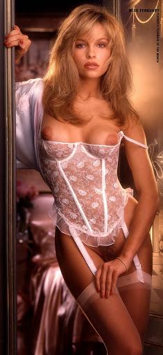1990 02 Pamela Anderson
