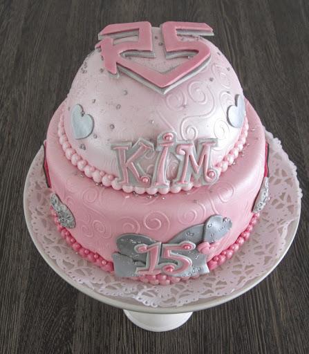 942- Roze R5 taart.JPG