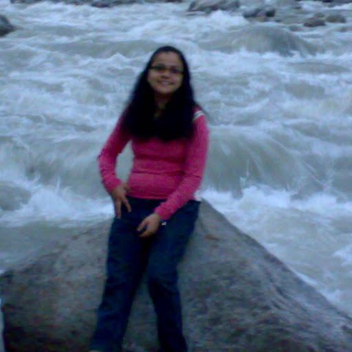 Shaniya Khan Photo 11