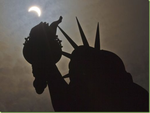 636389286771860168-AP-Eclipse-New-York
