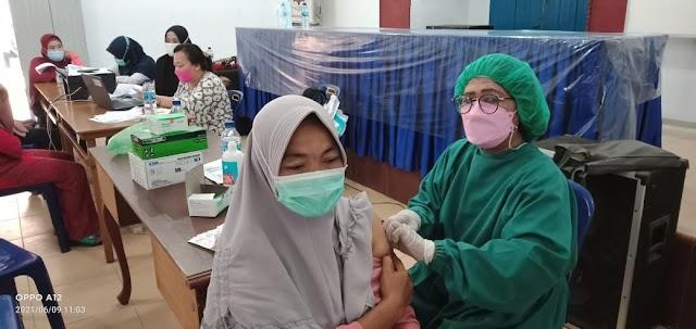 Puskesmas Kecamatan Percut Sei Tuan Vaksinasi 150 Warga Sei Rotan