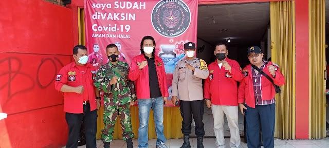 Bersama Ormas Pemuda Batak Bersatu (PBB) DPC Karawang,Polres Karawang Laksanakan Vaksinasi Sebanyak 270 Dosis Kepada Masyarakat.