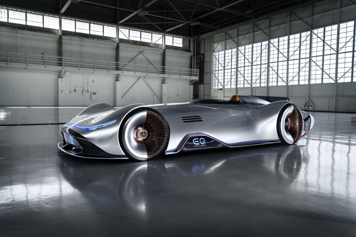 2018 Mercedes-Benz Vision EQ Silver Arrow Concept w/Video