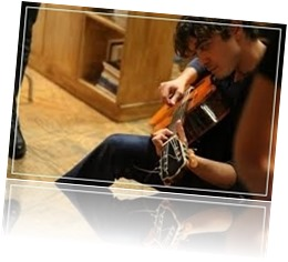 SCAMARCIO E CHITARRA (FILEminimizer)
