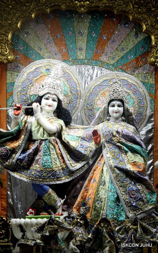 ISKCON Juhu Mangal Deity Darshan on 5th Aug 2016 (16)