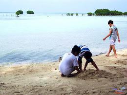 family trip pulau pari 140716 Fuji 029
