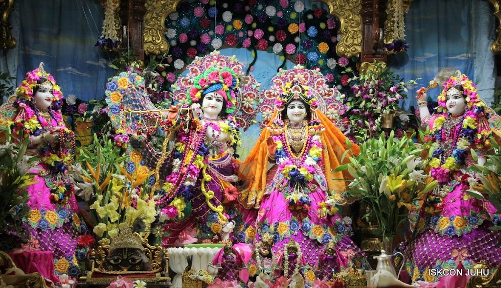 ISKCON Juhu Mangal Deity Darshan on 25th Aug16 (5)