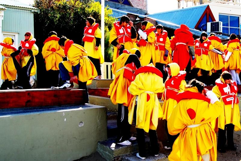 yellow_students