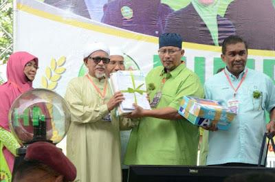 YB. Dato' Taki & YBhg. Datin Hariza Yusoff @ Himpunan Muslimat Muda di Dataran Kemerdekaan Shah Alam, Selangor