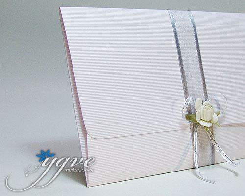 Invitación papel corrugado