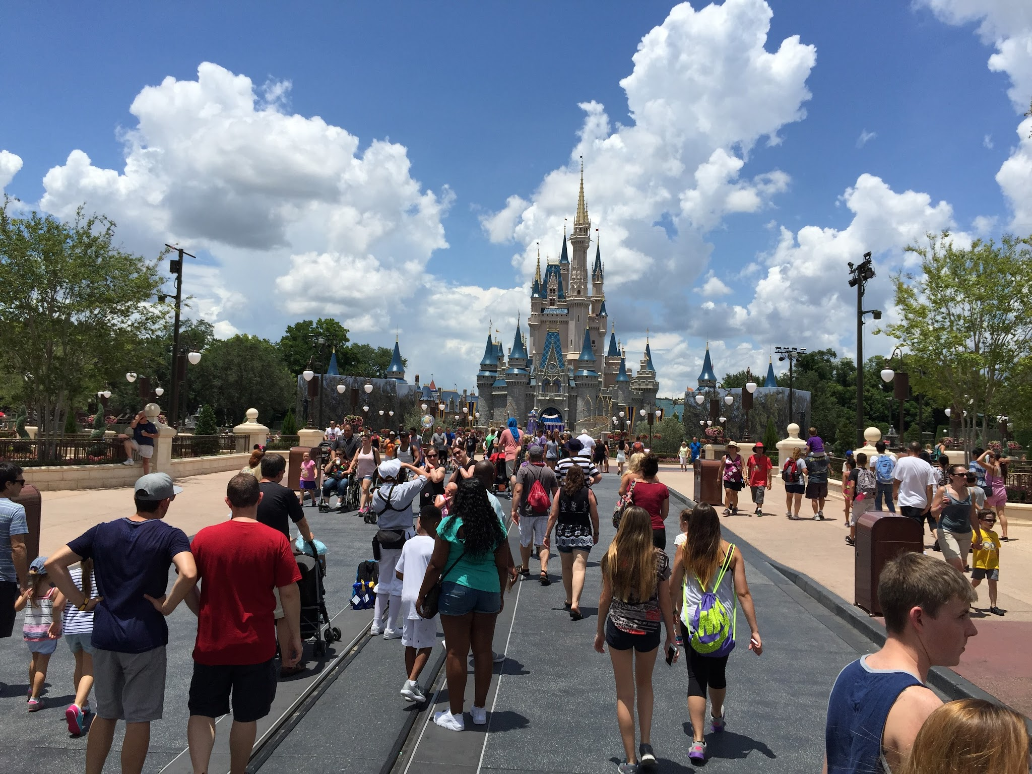 Six Sunny Day Observations From The Magic Kingdom Touringplans Com Blog