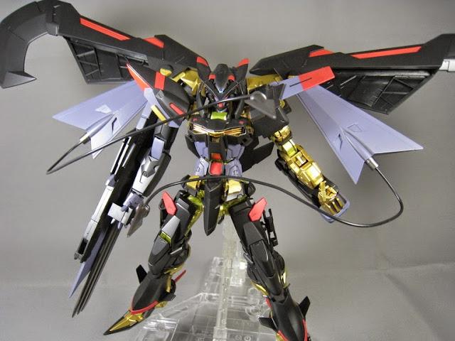 Sáng tạo ra bất kỳ tư thế nào trong mô hình Astray Gold Frame Amatsu