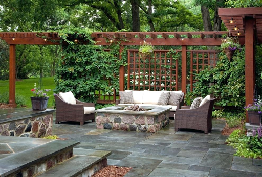 Few Easy Backyard Improvements That You Can Do for Outdoor Entertainment