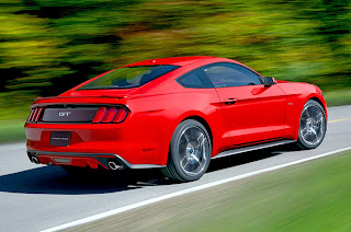 Ford-Mustang-GT-2015-02