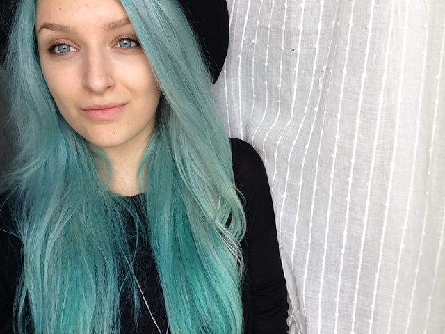 Halsey In Blue Colored Hair: New Hair Colour: Turquoise.