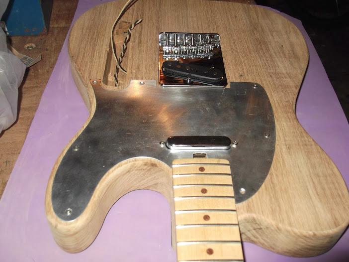 Construção guitarra telecaster, meu 1º projeto bolt on. Finalizado e com vídeo - Página 2 DSCF0895