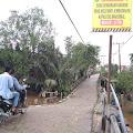 Kurangi Kapasitas Saat Melintas di Jambatan Sungai Piring