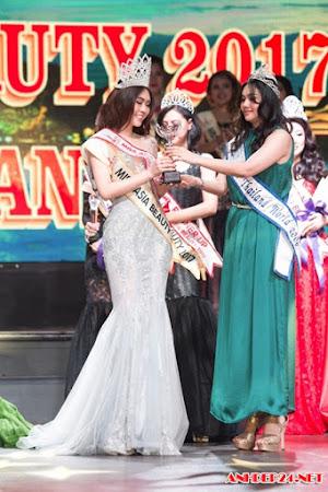 Fan nữ SLNA đăng quang Miss Asia Beauty