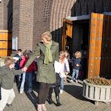 Kleuters bezoeken Martinuskerk - DSC_0040.JPG