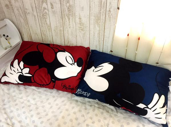 shimamura-cushion-mickey02.jpg