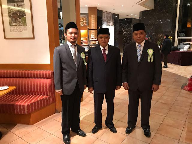 Ketua Umum PBNU, Prof. Dr. KH. Said Aqil Siroj dan Ketua Umum Pagar Nusa, M. Nabil Haroen, dalam rangkaian agenda Family Peace Associaton, Global Peace, di Grand Hilton, Korea Selatan, Sabtu (02/12/2017).