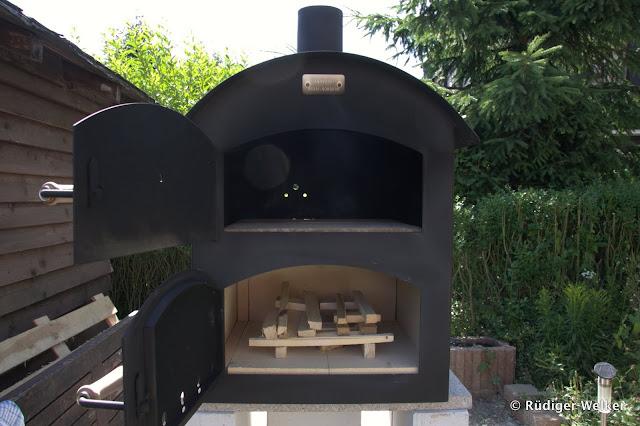 Außenküche Mit Holzbackofen : Außenküche gordi und seine familie