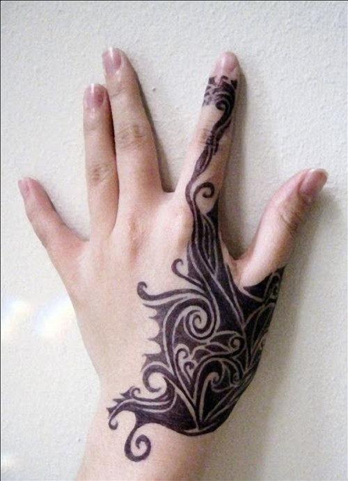 mao_tatuagens_mais_legais_projetos_do_tattoo_49