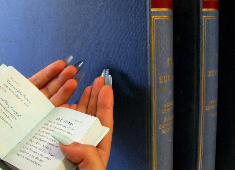 A Little Book di Elisabetta Di Girolamo