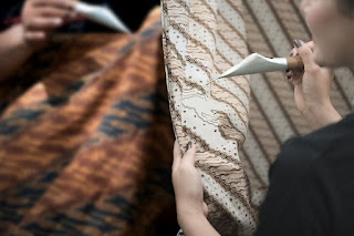 Batik Dapat Dibuat Seni Murni Menggunakan