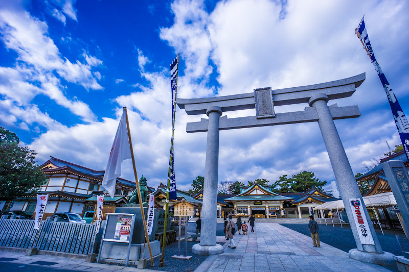 Hiroshima Castle Hiroshima Gokoku shrine1