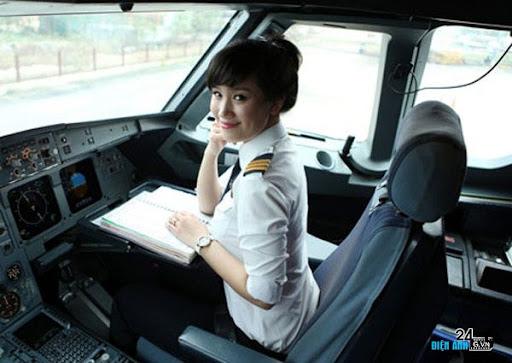 Cơ phó 8x xinh đẹp điều khiển Airbus 321 đầu tiên của VN - DIENANH24G Cơ phó 8x xinh đẹp điều khiển Airbus 321 đầu tiên của VN