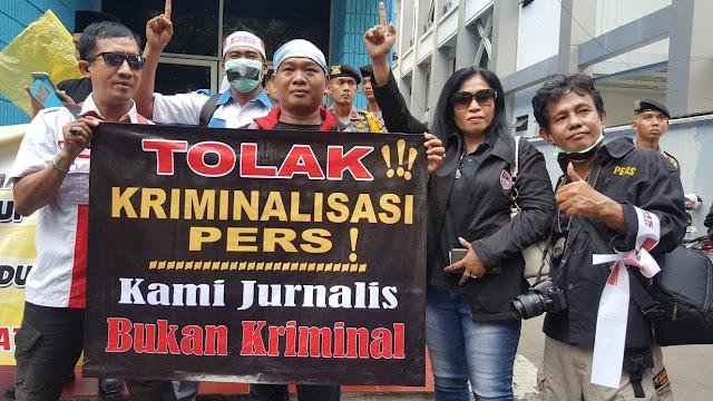 KETUA PRESIDIUM FPPII MINTA KETUA DEWAN PERS BERTOBAT DAN GAGAL MEMBINA WARTAWAN DI INDONESIA