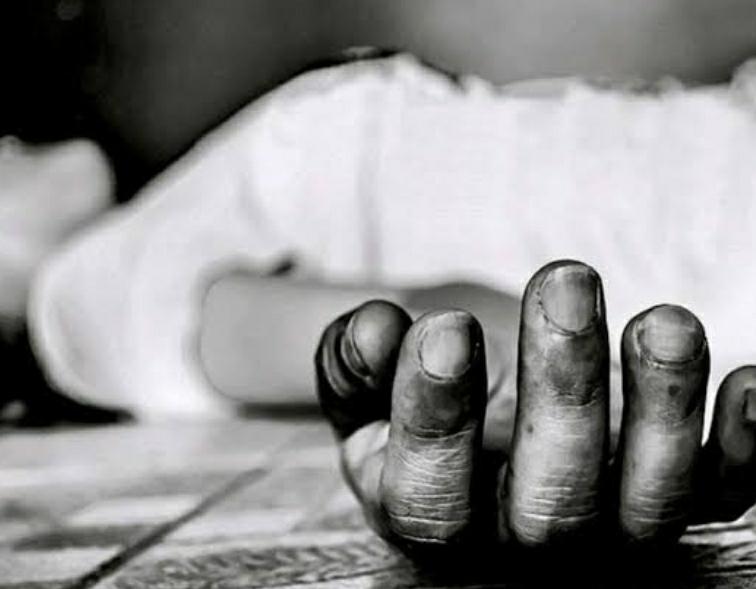 ಪ್ರೀತಿಗೆ ಮನೆಯವರ ವಿರೋಧ.. ನಿದ್ರೆ ಮಾತ್ರೆ ಸೇವಿಸಿ ಆತ್ಮಹತ್ಯೆಗೆ ಯತ್ನಿಸಿದ ಯುವತಿ....