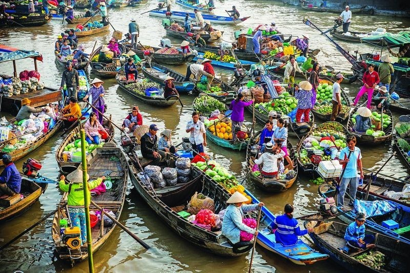 vietnam-floating-market-3