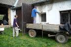 S pomocí souseda, pana Cimbůrka, jsme se opravili fasádu Centra práce.