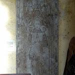 Église Sainte-Marie-Madeleine de Domont : pierre tombale du chevalier Jehan de Villiers