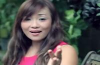 Lirik Lagu Bali Ari Laksmi - Enyeh Enyeh Mekita